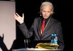 Polisten Assange'a ülkeden ayrıl uyarısı